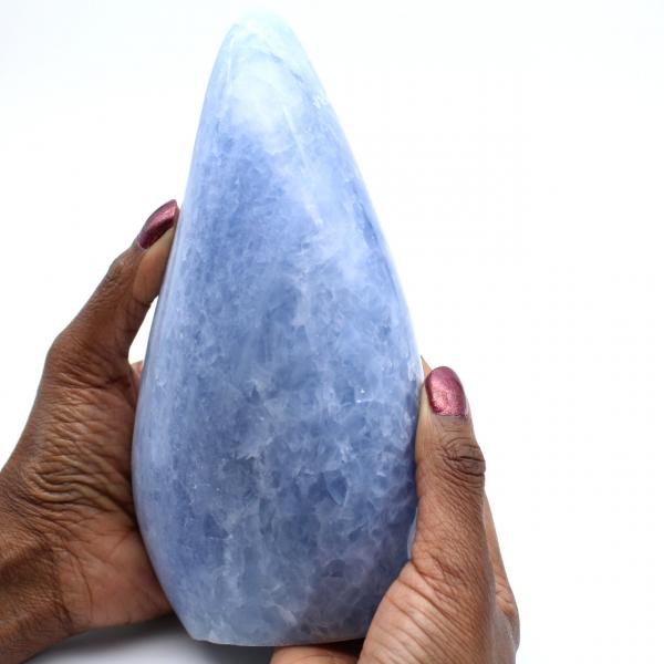 Roccia di calcite blu