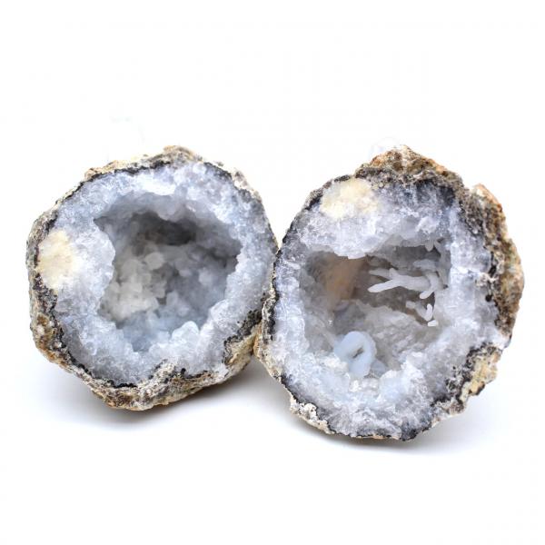 Geode intero di agata di cocco